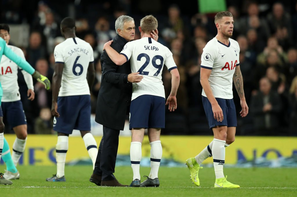 oliver-skipp-and-jose-mourinho